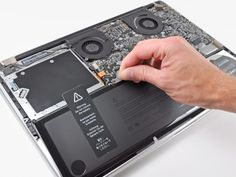 The life expectancy of a notebook battery is mostly based on the battery cycle count. Here, we show you how to find your MacBook battery cycle count. Apple Macbook Pro, Macbook Pro Retina, Macbook Pro 17 Inch, Macbook Pro Tips, Newest Macbook Pro, Macbook Skin, New Macbook, Mac Notebook, Battery Icon