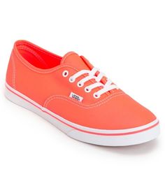A timeless shoe with a modern pop of neon, the Vans Authentic Lo Pro in the neon coral colorway is a classic girls Vans shoe