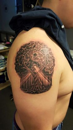 #tree #treeoflife #treeoflifetattoo #yinyang #yingyang #spiritualtattoo  #tattoo #blackandgrey #blackandwhite #realistic @risingbastards