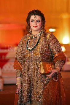 Pakistani Dress Design, Pakistani Outfits, Cute Dresses, Formal Dresses, Bridal Dress Design, Bridal Dresses, Party Dresses, Designer Anarkali, Bridal Lehenga