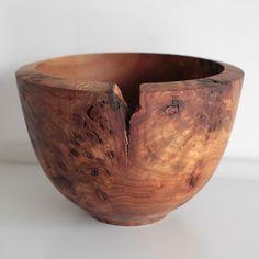 blueberrymodern:  burr elm bowl by Jonathan Leech