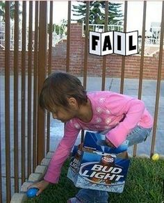 Worst Easter basket ever! At least give her a good kind of beer basket. Funny Easter Pictures, Easter Funny, Happy Easter, Funny Photos, Parenting Fail, Haha Funny, Funny Stuff, Funny Shit, Funny Things