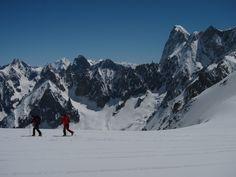 World class guiding and teaching service World Class, Alps, Mount Everest, Teaching, Mountains, Education, Bergen, Onderwijs, Learning