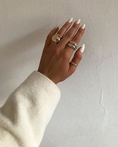 agar) Foton och v - Dior Makeup - Ideas of Dior Makeup - monique agar (Monica Rigotto.agar) Foton och v Cute Jewelry, Gold Jewelry, Jewelry Accessories, Fashion Accessories, Gold Necklaces, Trendy Jewelry, Summer Jewelry, Moderne Outfits, Armband Diy