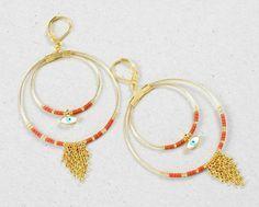 Nouveau tutoriel @perlescorner Boucles créoles Isis On aime ce duo de créoles ornées de perles Miyuki et d'une cascade de chaines. Un esprit Bohème chic pour un bijou hypnotique à porter sans modération. #diy #bijoux #jewelry #fashion #miyuki #beads #miyukibeads #perles #oeil #eyes #tendance #femme #mode #paris #perlescorner