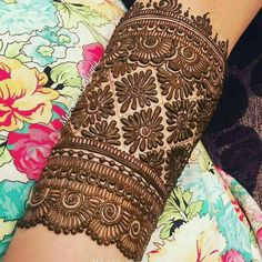 Stunning Mehndi Designs for the 2020 Brides-to-be Easy Mehndi Designs, Henna Hand Designs, Dulhan Mehndi Designs, Mehendi, Latest Mehndi Designs, Henna Tattoo Designs, Mehndi Tattoo, Arte Mehndi, Mehndi Designs Finger