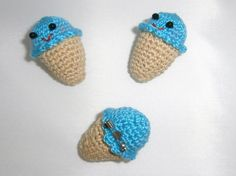 nuevos broches de heladitos a crochet :D