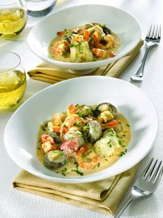 Monkfish Blanquette a smooth, creamy recipe with smoothness and finesse - Recettes - Meat Recipes Seafood Soup Recipes, Fish Recipes, Lunch Recipes, Vegetable Recipes, Meat Recipes, Healthy Dinner Recipes, Cooking Recipes, Vegetarian Soup, Vegetarian Recipes