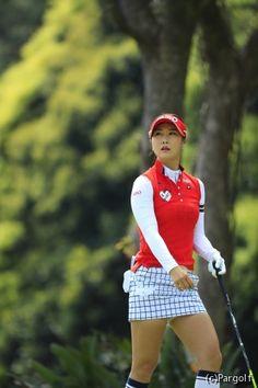Golf tips, tricks and products Cute Golf Outfit, Girl Golf Outfit, Girls Golf, Ladies Golf, Women Golf, Sexy Golf, Lpga, Golf Fashion, Korean Women