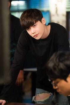 Lee jong suk - W two worlds drama ♥♥ Suwon, W Two Worlds Wallpaper, Kpop, W Korean Drama, Kdrama, Lee Jong Suk Wallpaper, Lee Jong Suk Cute, Kang Chul, Chan Lee
