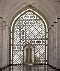 مسجد صلاح الدين عبد العزيز ..شاه علم ..ماليزيا