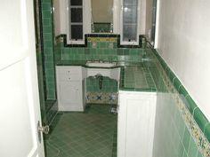 1930s bathroom | DSCN1076.JPG (64216 bytes)