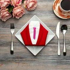 Diy Crafts Hacks, Diy Crafts For Gifts, Diy Home Crafts, Diy Table, Table Napkin, Fancy Napkin Folding, Paper Napkins, Diy For Kids, Fancy Food Presentation