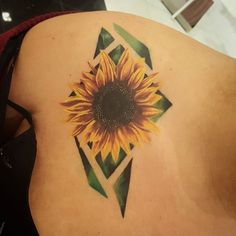 HEALED!! COVERUP!! I ran into my client at forever 21 which by the way has great lighting haha. .. Cover up tattoo I did. Thanks for letting me take the reigns and make it my style. @iamsosaaa Thanks for looking. Give me a follow. #coveruptattoo #blastover #sunflowertattoo #sunflower #realism #tattoorealistic #colortattoo #flower #flowertattoo #tattoos #tattoo #fridaythe13thtattoo #tattoosofinstagram #losangeles #longbeach #whittier #lakewood #norwalk #562 #tattoorevuemag #tattoos_alday