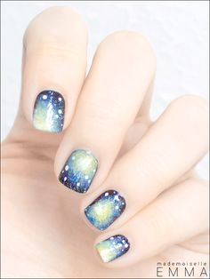Best galaxy nails ever! I love the colour.