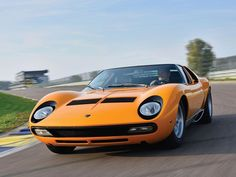 Looking for the Lamborghini Miura of your dreams? There are currently 7 Lamborghini Miura cars as well as thousands of other iconic classic and collectors cars for sale on Classic Driver. Classic Sports Cars, Best Classic Cars, Supercars, Auto Volkswagen, Automobile, Aston Martin Cars, Lamborghini Miura, Top Cars, Maserati