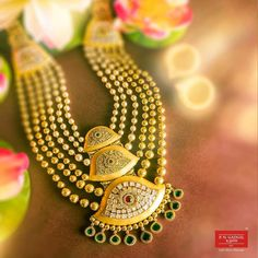 Gold Jewellery Design, Gold Jewelry, Fine Jewelry, Jewelry Necklaces, Long Necklaces, India Jewelry, Pearl Necklace, Bangles, Jewels