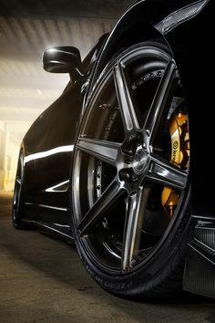 ADV.1 Nissan GT-R