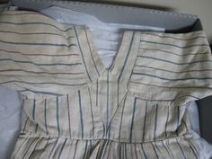 The Merry Dressmaker: Wayne County Museum Visit (Note very narrow back and pieced sleeve!)