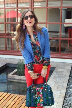 Luisa Fernanda from Stylish Everywhere looking pretty in a statement outfit