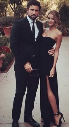 Long Prom Dresses Black, Simple A-Line Strapless Chiffon Black Evening Dress With Split-front