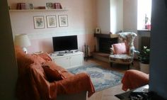 The perfect style of English houses. A confortable sitting room to relax and chat with the family