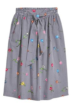 20 Trendy Skirts For You This Summer - Fashion New Trends Hipster Fashion, Modest Fashion, Hijab Fashion, Korean Fashion, Fashion Dresses, Skirt Outfits, Dress Skirt, Casual Outfits, Skater Skirt