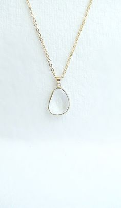 Clear Quartz oval pendant necklace gold-filled by laplumeblanche