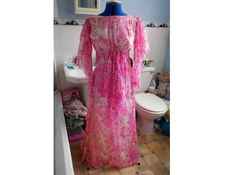 Vintage Boho Pinks Floral Butterfly Maxi by TheAtticofKitsch Retro Outfits, Vintage Outfits, Unusual Wedding Dresses, Great Gatsby Fashion, Carnaby Street, Angel Sleeve, Gatsby Style, Period Costumes, Retro Floral