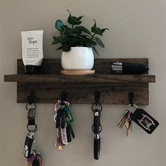 Handmade Home Decor, Diy Home Decor, Room Decor, Diy Furniture Projects, Diy Wood Projects, Rustic Entryway, Entryway Shelf, Entryway Ideas, Entryway Decor