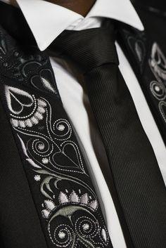 Veste de laine brodée mécaniquement par Armor-Lux, selon un dessin Glazig de Pascal Jaouen.