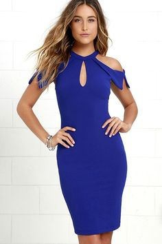 For a night of cocktails and best friends, try the Mixologist Royal Blue Bodycon Midi Dress! Halter neckline fastens with a button above front and back keyholes and pointed sleeves. Midi Dress Outfit, Dress Outfits, Fashion Dresses, Bodycon Dress, Sexy Cocktail Dress, Womens Cocktail Dresses, Cocktail Gowns, Trendy Dresses, Casual Dresses