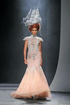 2009 – Autumn Winter | Michael Cinco Couture