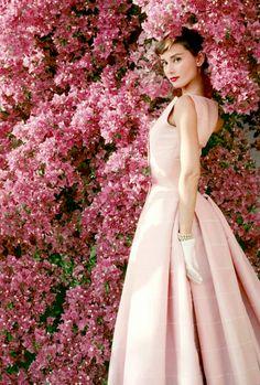 vintagegal:  Audrey Hepburn photographed by Norman Parkinson, 1955