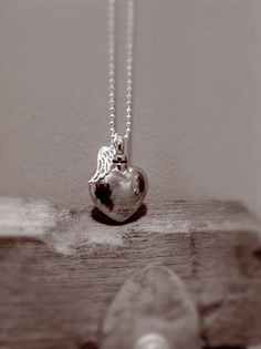 Hey, I found this really awesome Etsy listing at https://www.etsy.com/listing/207133779/sale-cremation-jewelry-unique-heart