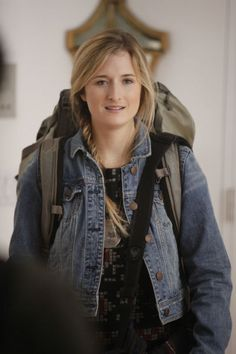 Grace Gummer may look just like her famous mom Meryl Streep but she'll be playing another famous thespian's offspring in an upcoming episode of NBC's Meryl Streep Daughter, Carly Chaikin, Anjelica Huston, Celebrity Kids, Tv Actors, Celebs, Celebrities, Cute Hairstyles, Picture Photo