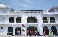 O refeitório comunitário Guru Ka Langar no templo Sikh de Paonta Sahib. (Foto: © Haroldo Castro/ÉPOCA)