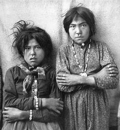 Two Tlingit girls, 1903