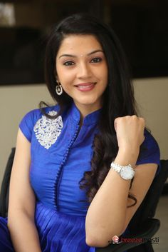 Mehrene Kaur Telugu actress latest images 4