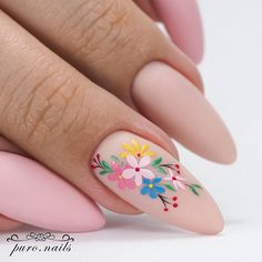 50 Beautiful Nail Art Designs & Ideas Nails have for long been a vital measurement of beauty and Gold Gel Nails, Almond Acrylic Nails, Best Acrylic Nails, Acrylic Nail Designs, Nail Art Designs, Flower Nail Designs, Stiletto Nails, Funky Nails, Cute Nails