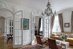 To create an apartment with Paris charm in other countries than France is not an easy task at all, given the unrivaled historical architecture of the ✌Pufikhomes - source of home inspiration French Apartment, Apartment Chic, Luxury Decor, Luxury Interior, Interior Ideas, Classic Living Room, Minimal Home, Barbie Dream House, Bedroom House Plans