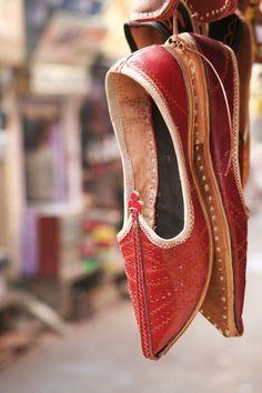 iseo58:  Bundi, India - Shoes