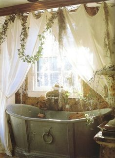 Michael Trapp, a garden designer, decorator, and antique dealer, created this lushly romantic bathroom. The tub is a century French tin tub. There's a real sense of nature in this room! this is my dream bathroom! Romantic Bathrooms, Dream Bathrooms, Beautiful Bathrooms, Tin Tub, Tin Bathtub, Antique Bathtub, Deep Bathtub, Vintage Bathtub, Baños Shabby Chic