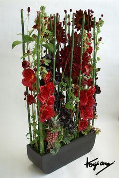 artist: Arai Koji Hotel Flower Arrangements, Creative Flower Arrangements, Beautiful Flower Arrangements, Hotel Flowers, Corporate Flowers, Modern Wedding Flowers, Church Flowers, Arte Floral, Flower Show