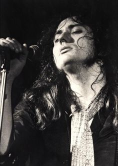 A young David Coverdale....beautiful :D