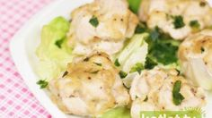 Steamed chicken balls w/ thyme Potato Salad, Potatoes, Cooking, Ethnic Recipes, Food, Diet, Cucina, Potato, Kochen