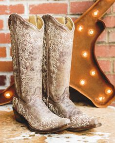 Leather And Lace, Real Leather, Wedding Boots, Lace Wedding, Cowgirl Wedding, Field Wedding, Rustic Wedding, Wedding Ceremony, Corral Boots