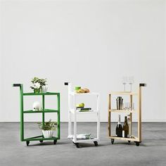 Move trolley comes with a triangular shape and a distinct handle that makes a nice little character that catches the eye. Use it as a small table next to the sofa or bed, as a drinks trolley or as just as a movable table. The trolley has black wheels and the handle is covered in black leather.