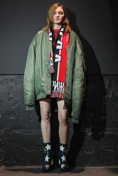vetements has arrived! a paris-based design collective with ties to the margiela & vuitton maisons. vetements will be available in the tyler st, wellington and melbourne stores. Fashion Week Paris, Live Fashion, Vetements Paris, Margiela, Fall Winter 2015, Autumn, Fashion Show Collection, Fall Wardrobe, Vogue Paris