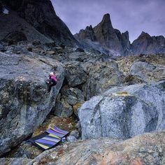 いいね!20.8千件、コメント96件 ― National Geographic Adventureさん(@natgeoadventure)のInstagramアカウント: 「Photo @ladzinski / @angelajpayne really committing to the top out on a highball in remote…」
